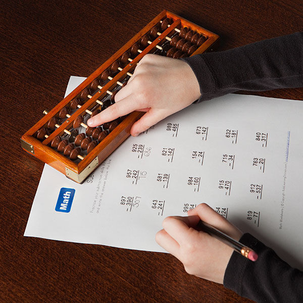 japanese-abacus-soroban-solid-Wooden-Frame-plastics-Bead-Classic-Ancient-chinese-abacus-toy-develop-kid-s